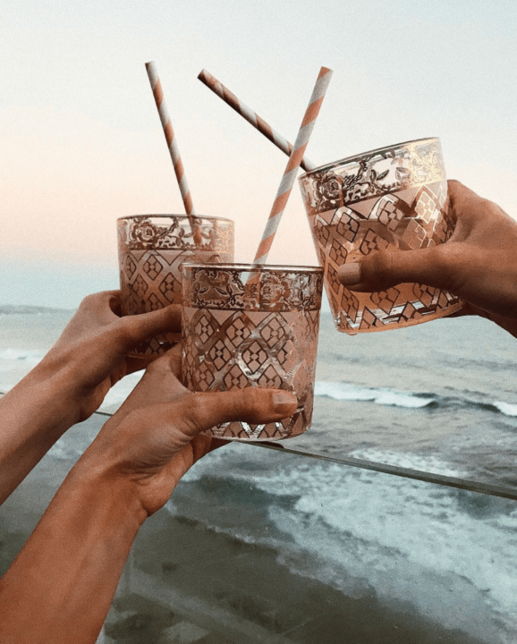 Cocktail at the beach - Image @sivanayla Instagram