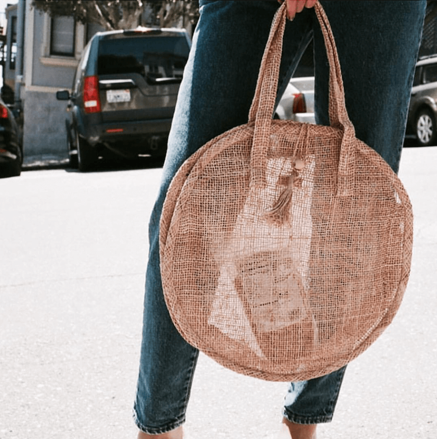 Woven straw bag style